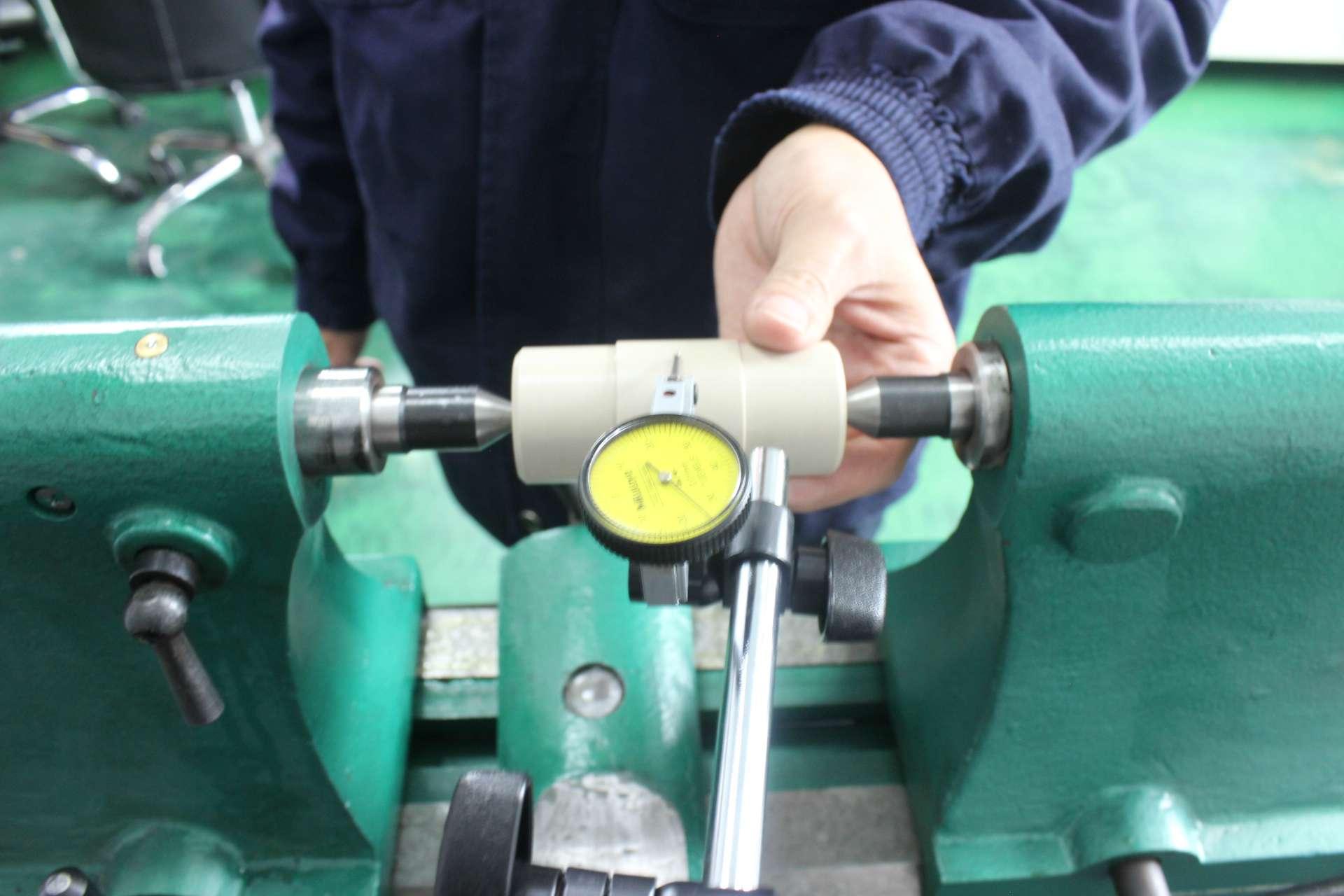 PEEK机加工零件同轴度的检测方法